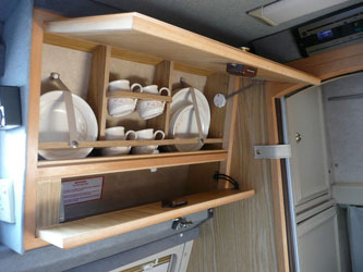 VW T4 Autosleeper Topaz Crockery