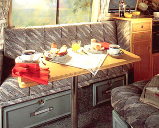 VW T4 Autosleeper Trophy Table